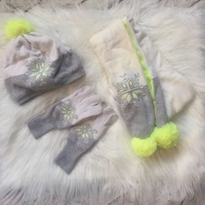 Girls Gymboree Hat, Scarf & Gloves set